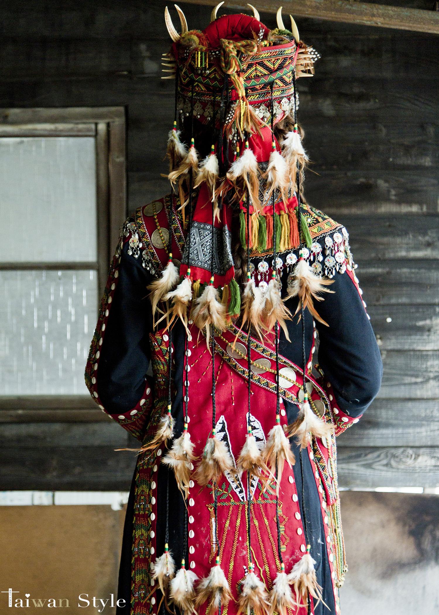 看見台灣百年婚紗之美-原住民排灣魯凱族造型之美-新娘物語 x VVNFS方美玉台南新秘4